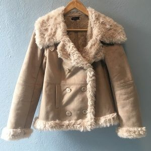 -TopShop- 💕90s style Faux Fur and suede Coat.